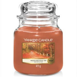 Yankee Candle Woodland Road Trip Giara Media 411gr - Candle Store